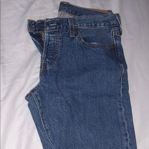 Levi's mid-rise ankle jeans